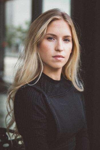 Claudia Bouvette   Agence Marie Ève Lafond   Casting ...